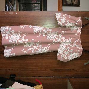 Very cute tight fitting mini dress!